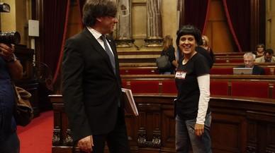 Malestar de Junts pel Sí amb l'exigència de la CUP de desobeir el 'Constitucional' català
