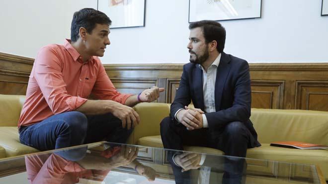 Garzón y Sánchez acercan posturas en su reunión bilateral en el Congreso