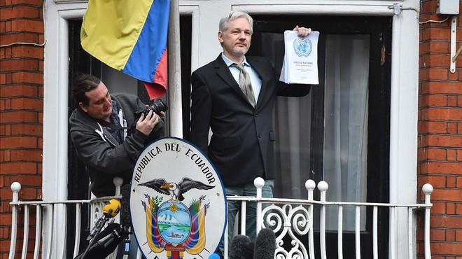 ¿Assange complirà la seva promesa ara que s'ha perdonat Manning?