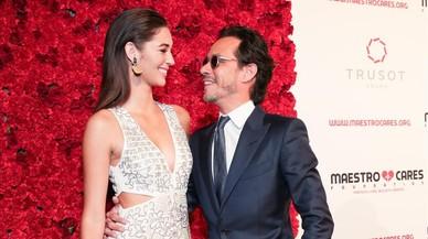 Marc Anthony aparece con su nueva novia