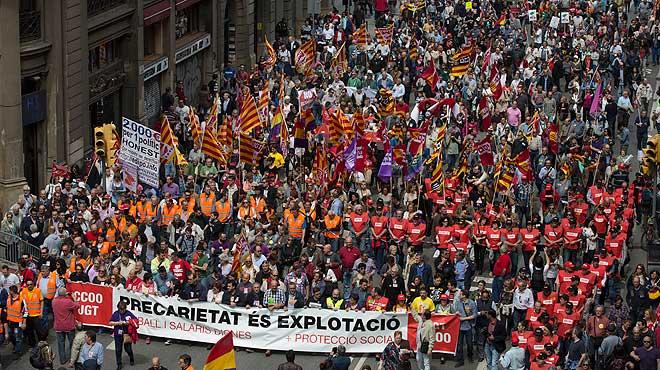 Manifestaci n del 1 de mayo en barcelona por un empleo digno for Trabajo jardinero barcelona