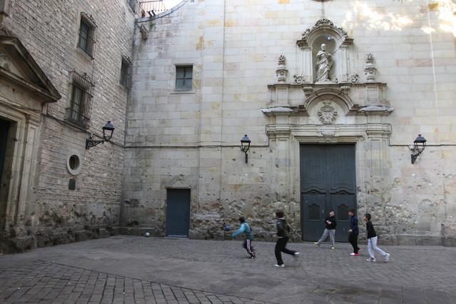 Ma�ana se cumplen 75 a�os del bombardeo de Sant Felip Neri, en el que murieron 42 personas