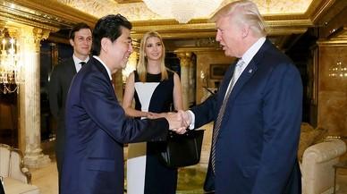 Abe corteja a Trump y a Putin
