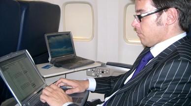 La UE força una reunió amb els EUA davant la possible prohibició dels portàtils a l'equipatge de mà