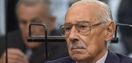 El dictador argentino Jorge Videla, durante la vista oral del juicio por el Plan Cóndor, este martes en Buenos Aires.