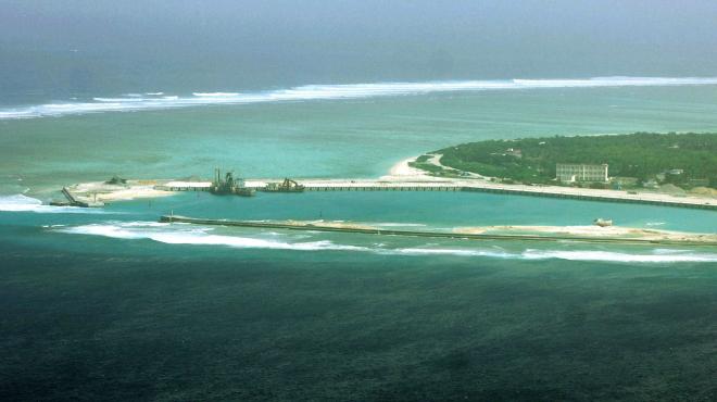 China despliega un sistema de misiles en una isla en disputa