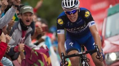David de la Cruz se dispone a ganar en el Naranco la novena etapa de la Vuelta.