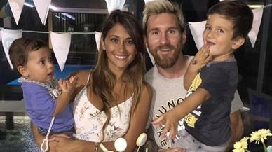 El fill de Messi canta en català i Piqué ironitza amb l'adoctrinament