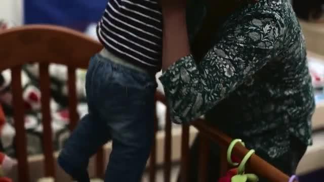 La fragilitat d'una mare protagonitza la nova campanya de Càritas de Barcelona