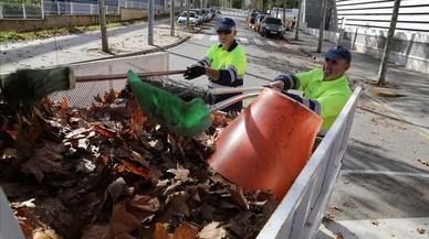 Castelldefels remunicipalitza la neteja i la recollida d'escombraries