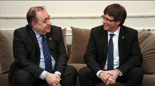 Puigdemont s'entrevista amb Alex Salmond, l'artífex del referèndum escocès