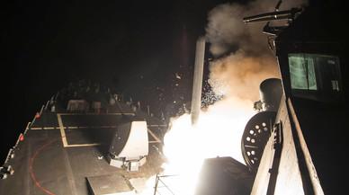 Els EUA van llançar una pluja de Tomahawks contra una base aèria del règim sirià