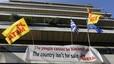 Els grecs ocupen simbòlicament la seu de la Comissió Europea a Atenes