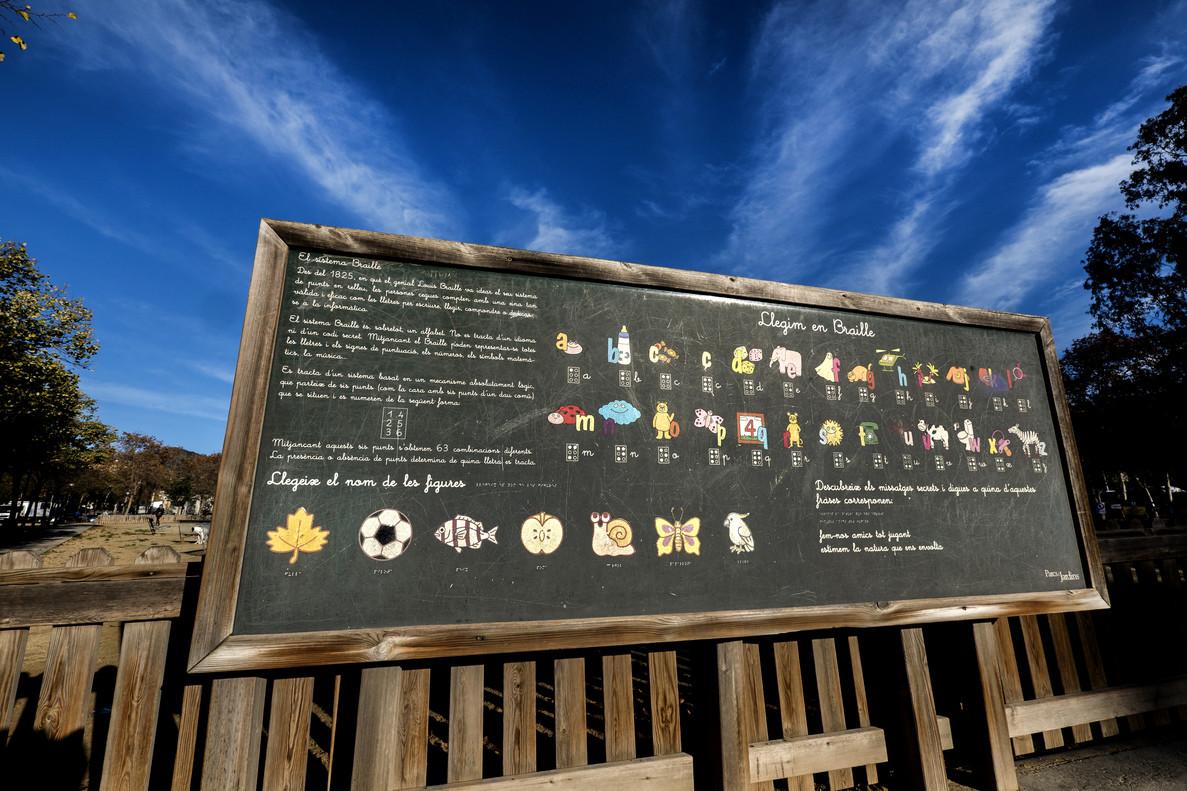 Barcelona suspende en parques para niños con discapacidad