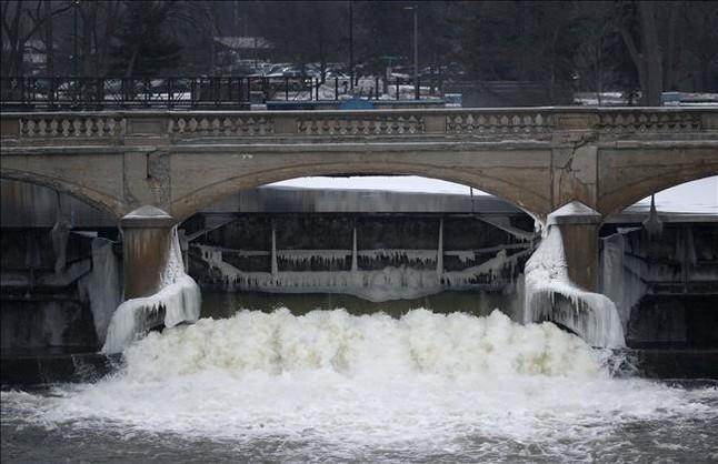 Agua tóxica para una ciudad pobre