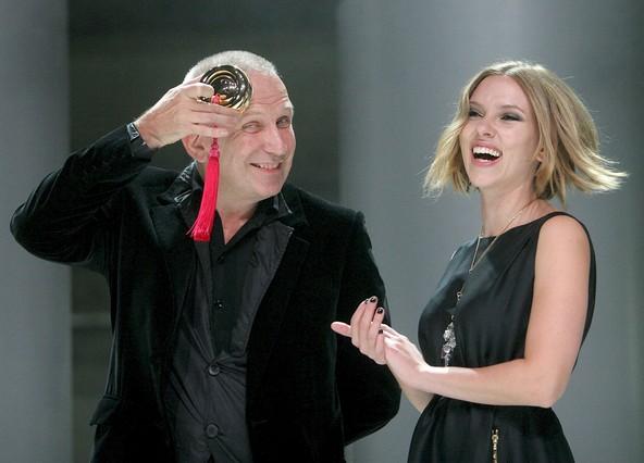 """Artur Mas a Scarlett Johansson: """"Si vuelves por aquí y soy 'governor', llámame"""""""