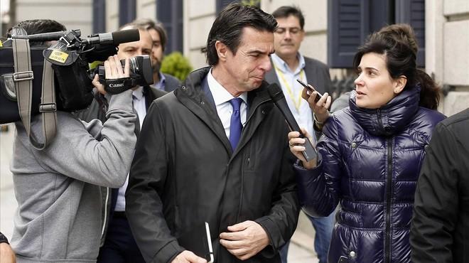 José Manuel Soria, acorralat i en mans de Rajoy