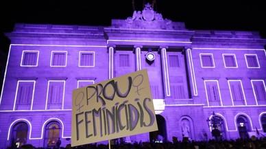 L'Ajuntament de Barcelona se suma a la 'vaga' mundial de dones