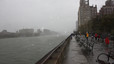 El parque del East River ante la llegada inminente del huracn, el lunes por la tarde.