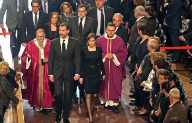 Sentida ceremonia por las v�ctimas de Germanwings en la Sagrada Fam�lia