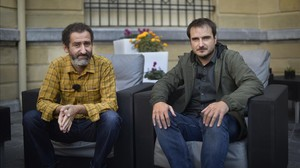 Los directores Jon garaño y Aitor Arregi, en el festival de San Sebastián, donde compiten con Handia.