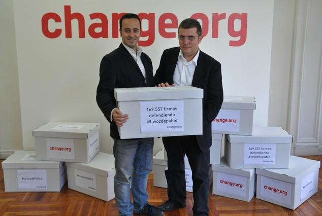 """La retirada de la querella de Tele 5 contra el bloguero Pablo Herreros es """"una victoria de todos"""""""