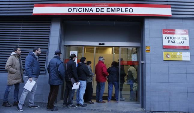 El desempleo baj en personas y la tasa de paro es for Oficina de desempleo