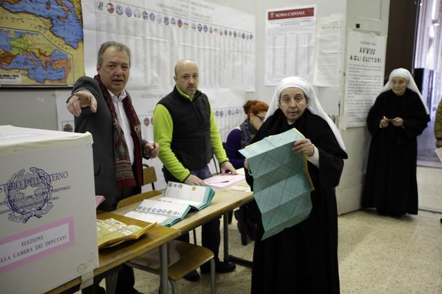 Italia vota entre la incertidumbre