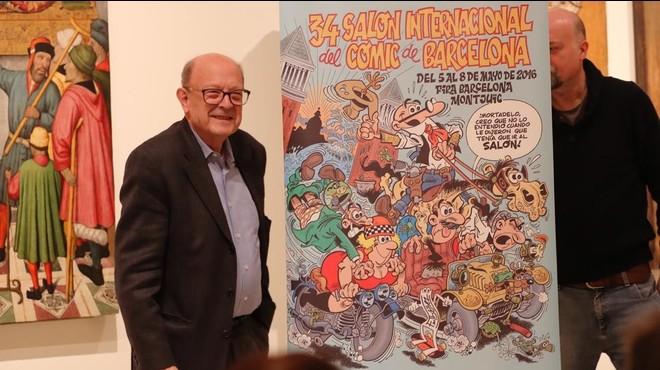 Francisco Ib��ez, con su cartel para el Sal�n del C�mic, este jueves en el MNAC.