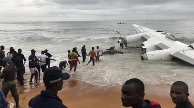 Un avió s'estavella a la Costa d'Ivori