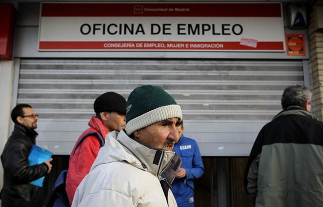 Las prestaciones por desempleo caen en febrero un 9 1 for Oficina de prestaciones