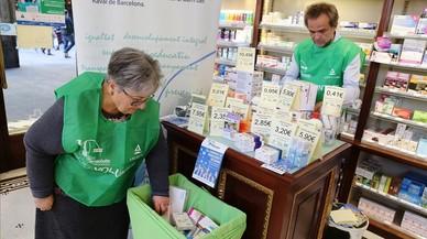 Les farmàcies recullen en un dia 20.000 medicaments solidaris per a persones sense recursos