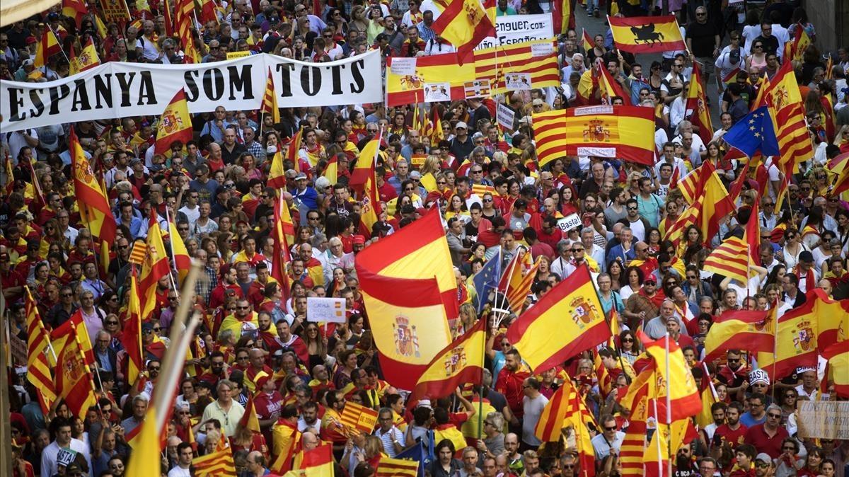 Vista de la manifestacion convocada por Societat Civil Catalana hoy