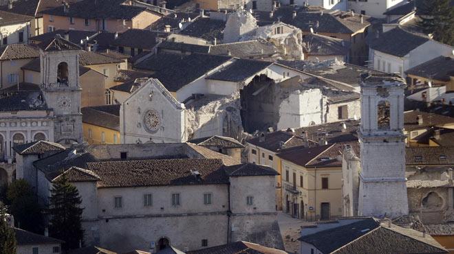 El cuarto terremoto en dos meses remata los destrozos en el centro de Italia