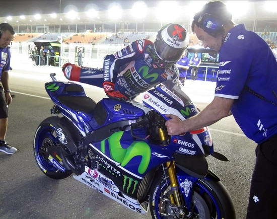 Jorge Lorenzo, campe�n del mundo del 2015, con su Yamaha, en el circuito de Doha.