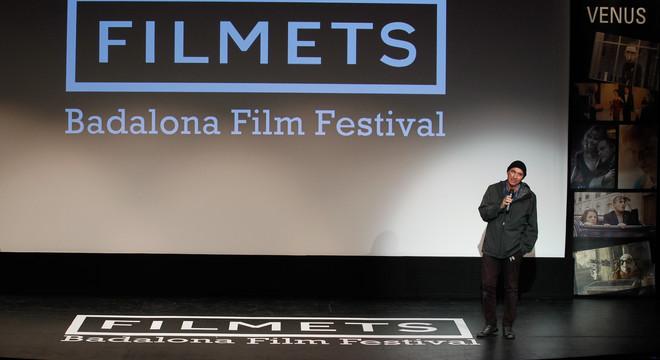 Lluís Llach canta per sorpresa 'L'estaca' al Festival Filmets de Badalona