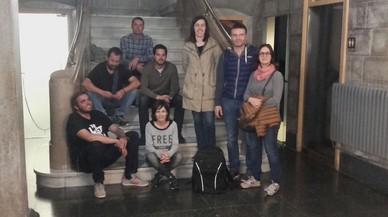 Ocho concejales se encierran dos noches en el Ayuntamiento de Rubí como protesta por el encarcelamiento del Govern cesado