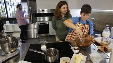 L'alternativa als deures: cuina en família, llibres, cine i una sortida a descobrir la ciutat