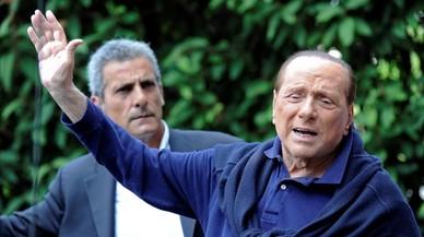 """Berlusconi, al sortir de l'hospital: """"A Itàlia hi falta un líder"""""""