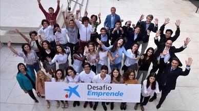 Estudiantes y profesores que han participado en el programa de emprendimiento de La Caixa.