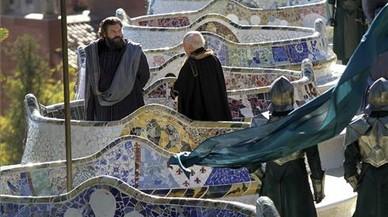 Vicent D'Onofrio, como el Mago, en el rodaje de la serie 'Emerald City', en el Park Güell de Barcelona.