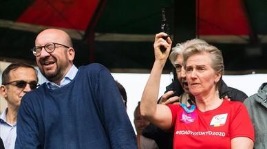 El primer ministre belga, afectat de sordesa a causa d'un tret de sortida al seu costat