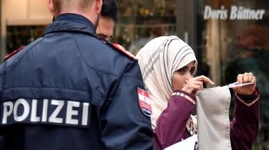 La policia ja força les musulmanes a mostrar la cara a Àustria