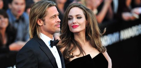 Angelina Jolie, con su marido Brad Pitt, en los Oscar del 2012.