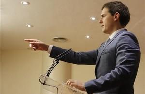 Rivera ha decidido no repetir las primarias y que la dirección asuma los cambios en 16 listas.