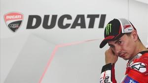 Jorge Lorenzo no va todo lo rápido que se esperaba con la Ducati