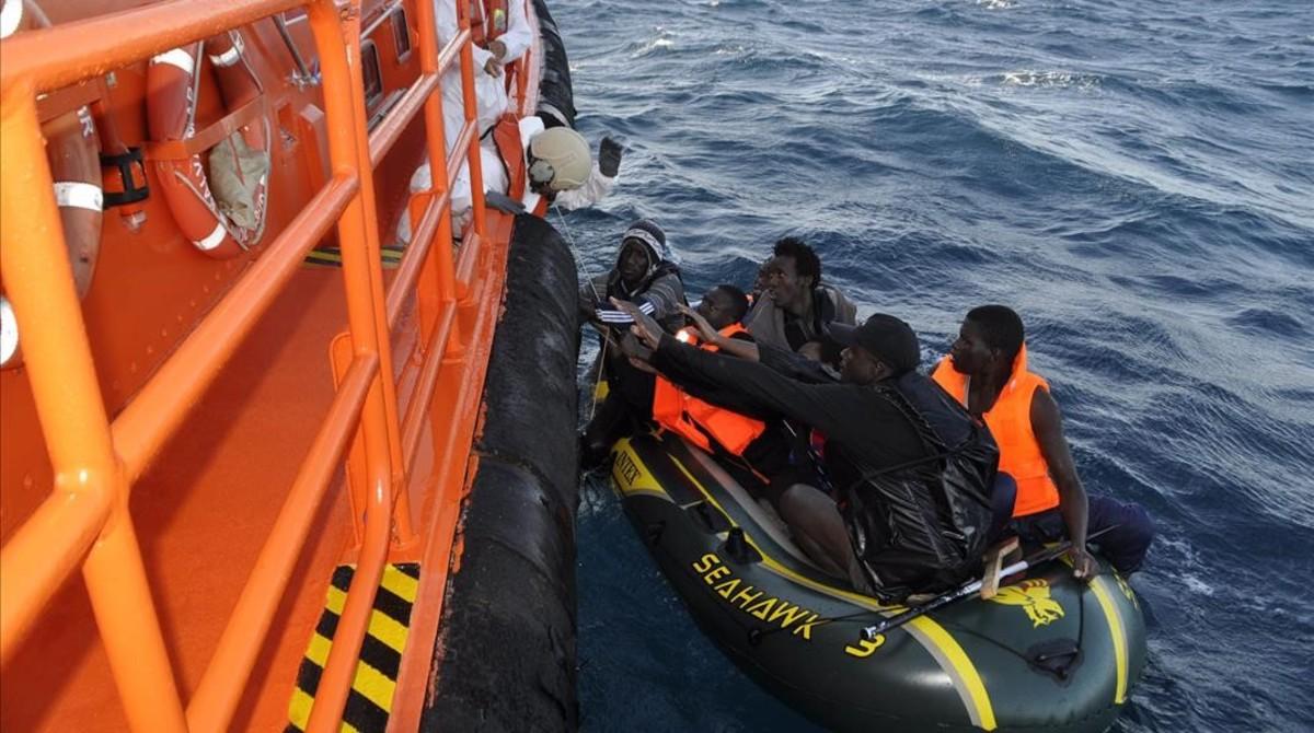 fcosculluela23316494 salvamento mar timo datos pateras170224201646