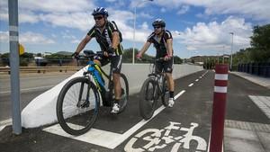 Estreno del carril bici que une la Zona Franca con el centro de Barcelona