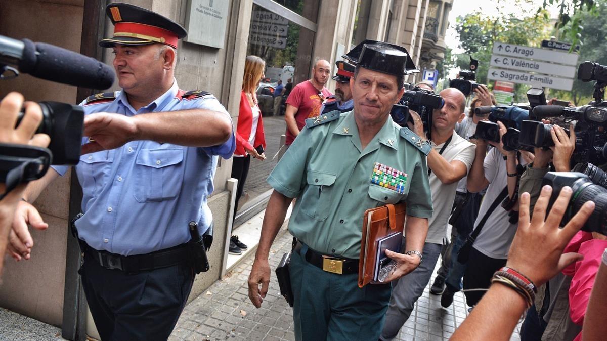 El general jefe de la Guardia Civil en Catalunya, Ángel Gozalo, llega a la Fiscalia Superior de Catalunya.