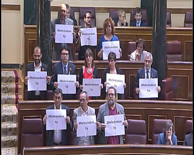 "Cayo Lara demana un referèndum per evitar la continuïtat d'una ""monarquia decrèpita"""